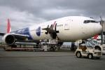 Hiro-hiroさんが、新千歳空港で撮影した日本航空 777-346の航空フォト(写真)