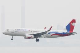小牛田薫さんが、香港国際空港で撮影したネパール航空 A320-233の航空フォト(飛行機 写真・画像)