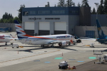 Liangさんが、ペインフィールド空港で撮影したスマート・ウイングス 737 MAX 8の航空フォト(写真)