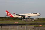 VEZEL 1500Xさんが、成田国際空港で撮影したカンタス航空 A330-303の航空フォト(写真)