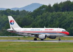 じーく。さんが、岡山空港で撮影した中国東方航空 A319-115の航空フォト(飛行機 写真・画像)