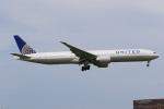 みるぽんたさんが、成田国際空港で撮影したユナイテッド航空 777-322/ERの航空フォト(写真)