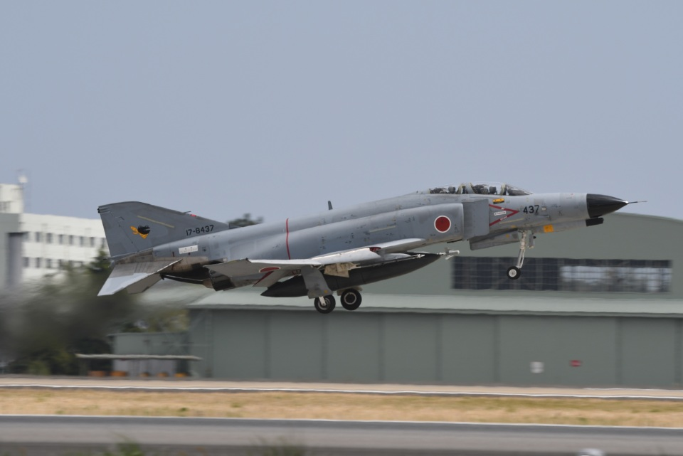 382kossyさんの航空自衛隊 Mitsubishi F-4EJ Kai Phantom II (17-8437) 航空フォト