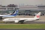 KAZFLYERさんが、羽田空港で撮影した日本航空 777-246/ERの航空フォト(写真)