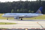 A-Chanさんが、ローリー・ダーラム国際空港で撮影したユナイテッド航空 A320-232の航空フォト(飛行機 写真・画像)