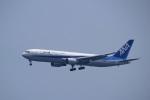レドームさんが、羽田空港で撮影した全日空 767-381/ERの航空フォト(写真)