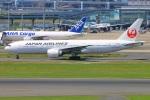 Tomo_mczさんが、羽田空港で撮影した日本航空 777-246/ERの航空フォト(写真)