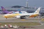 神宮寺ももさんが、関西国際空港で撮影したノックスクート 777-212/ERの航空フォト(写真)