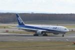 kuro2059さんが、新千歳空港で撮影した全日空 777-281/ERの航空フォト(写真)
