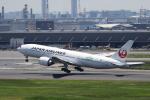 イソロクガトブさんが、羽田空港で撮影した日本航空 777-246/ERの航空フォト(写真)