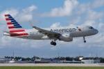 zettaishinさんが、マイアミ国際空港で撮影したアメリカン航空 A319-115の航空フォト(写真)