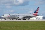zettaishinさんが、マイアミ国際空港で撮影したアメリカン航空 777-223/ERの航空フォト(写真)