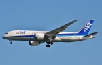 鉄バスさんが、羽田空港で撮影した全日空 787-8 Dreamlinerの航空フォト(写真)