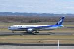 kuro2059さんが、新千歳空港で撮影した全日空 777-281の航空フォト(写真)