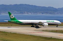 T.Sazenさんが、関西国際空港で撮影したエバー航空 777-36N/ERの航空フォト(写真)