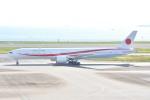 トロピカルさんが、羽田空港で撮影した航空自衛隊 777-3SB/ERの航空フォト(写真)