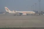 職業旅人さんが、成都双流国際空港で撮影したチベット航空 A330-243の航空フォト(写真)