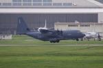 チャッピー・シミズさんが、嘉手納飛行場で撮影したアメリカ空軍 C-130J Herculesの航空フォト(写真)