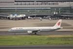 KAZFLYERさんが、羽田空港で撮影した中国国際航空 A321-213の航空フォト(写真)