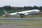 PASSENGERさんが、成田国際空港で撮影したアリタリア航空 777-243/ERの航空フォト(写真)