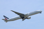 ceskykrumlovさんが、成田国際空港で撮影したエールフランス航空 777-328/ERの航空フォト(写真)
