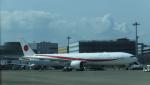 yutopさんが、羽田空港で撮影した航空自衛隊 777-3SB/ERの航空フォト(写真)