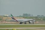 ユターさんが、シンガポール・チャンギ国際空港で撮影したエミレーツ航空 777-31H/ERの航空フォト(写真)