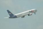 ユターさんが、シンガポール・チャンギ国際空港で撮影したフェデックス・エクスプレス 757-236の航空フォト(写真)