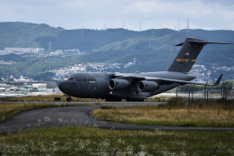 Kenny600mmさんが、伊丹空港で撮影したアメリカ空軍 C-17A Globemaster IIIの航空フォト(写真)
