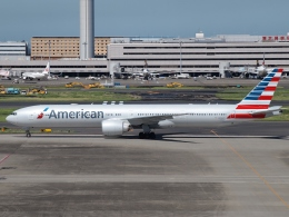 FT51ANさんが、羽田空港で撮影したアメリカン航空 777-323/ERの航空フォト(写真)
