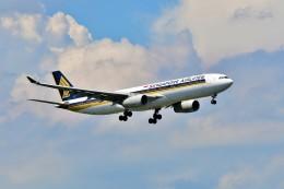 Hiro Satoさんが、スワンナプーム国際空港で撮影したシンガポール航空 A330-343Xの航空フォト(飛行機 写真・画像)