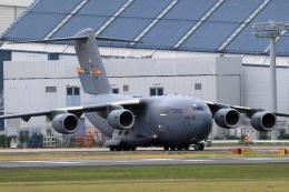 アイトムさんが、伊丹空港で撮影したアメリカ空軍 C-17A Globemaster IIIの航空フォト(写真)