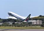 Teddyさんが、成田国際空港で撮影したアリタリア航空 777-243/ERの航空フォト(写真)