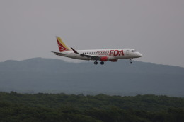 senchouさんが、新千歳空港で撮影したフジドリームエアラインズ ERJ-170-200 (ERJ-175STD)の航空フォト(写真)