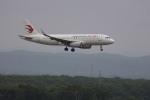 senchouさんが、新千歳空港で撮影した中国東方航空 A320-232の航空フォト(写真)