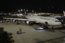 OMAさんが、香港国際空港で撮影した南アフリカ航空 A340-313Xの航空フォト(写真)