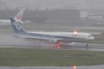 kenjyaさんが、羽田空港で撮影した全日空 767-381/ERの航空フォト(写真)