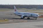 kuro2059さんが、新千歳空港で撮影した日本航空 777-246の航空フォト(写真)