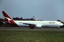 tassさんが、成田国際空港で撮影したカンタス航空 767-338/ERの航空フォト(写真)