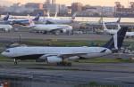 VIPERさんが、羽田空港で撮影したコムルックス・アルバ A330-243の航空フォト(写真)