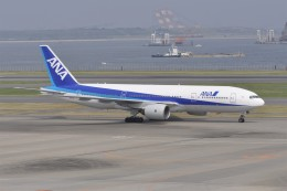 kumagorouさんが、羽田空港で撮影した全日空 777-281の航空フォト(写真)