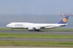 ウネウネさんが、羽田空港で撮影したルフトハンザドイツ航空 747-830の航空フォト(飛行機 写真・画像)