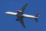 ウネウネさんが、横田基地で撮影したオムニエアインターナショナル 767-33A/ERの航空フォト(飛行機 写真・画像)