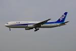 tsubameさんが、福岡空港で撮影した全日空 767-381/ERの航空フォト(写真)