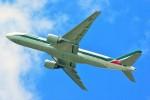 ちっとろむさんが、成田国際空港で撮影したアリタリア航空 777-243/ERの航空フォト(写真)