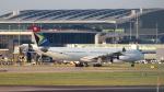 誘喜さんが、ロンドン・ヒースロー空港で撮影した南アフリカ航空 A340-313Xの航空フォト(写真)