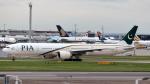 誘喜さんが、ロンドン・ヒースロー空港で撮影したパキスタン国際航空 777-340/ERの航空フォト(写真)