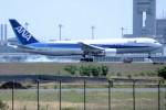 レドームさんが、羽田空港で撮影した全日空 767-381の航空フォト(写真)