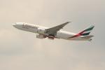 OMAさんが、香港国際空港で撮影したエミレーツ航空 777-F1Hの航空フォト(飛行機 写真・画像)