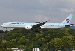 あしゅーさんが、福岡空港で撮影した大韓航空 777-3B5/ERの航空フォト(写真)